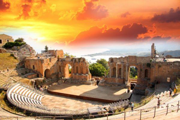 Teatro greco colorato